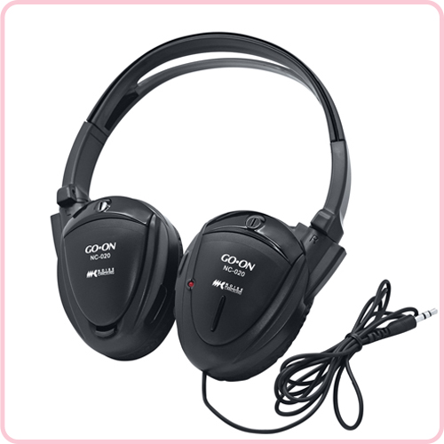 Active noise cancelling headphone for travel purpose