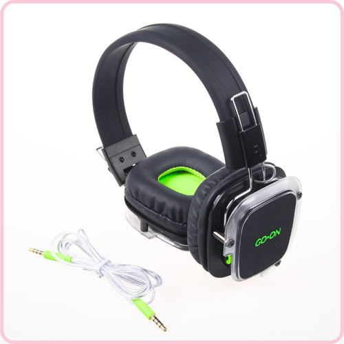 High quality over ear headphone with very nice design and logo effect
