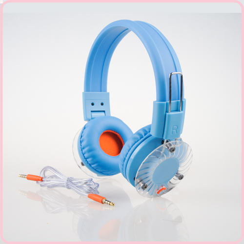 Colorful wired headphone for smartphone with foldable design